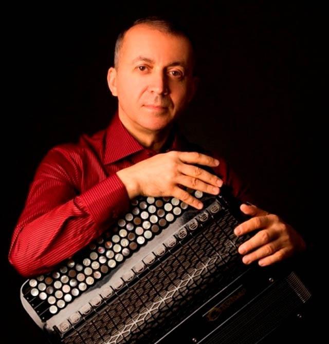 Юрий Шишкин — российский музыкант, один из лучших баянистов современности